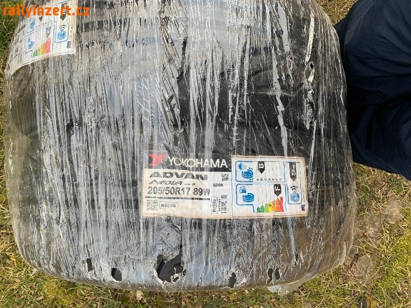 Semislicky Yokohama Advan Neova AD08R 205/50/17