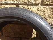 závodní pneu Extrem